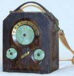 Majestic Mod. 130 Camera Style Radio (1939)
